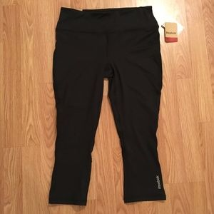 Reebok Women's Skinny Capri Black Athletic Legging